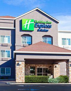 Holiday Inn Express & Stes Oakland Arpt