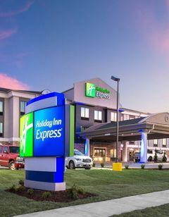 Holiday Inn Express Hutchinson
