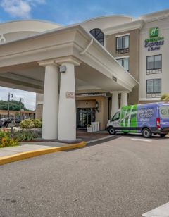 Holiday Inn Express USF-Busch Gardens