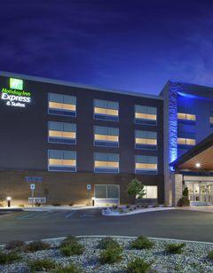 Holiday Inn Express & Stes Airport North