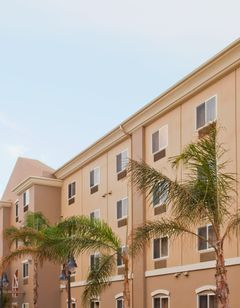 Holiday Inn Express & Suites Los Angeles