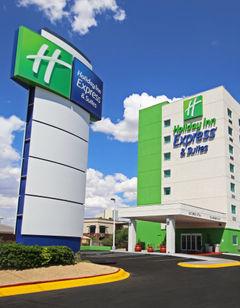 Holiday Inn Express & Suites Juarez