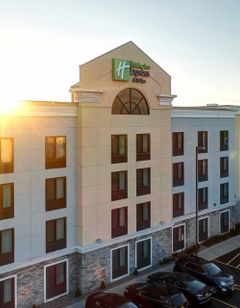 Holiday Inn Exp Stes Batavia Darien Lake