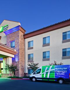 Holiday Inn Express Hotel & Suites Clovi