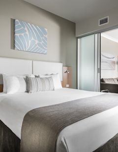 Grand Hotel and Apartments Townsville