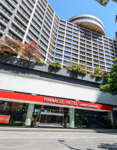 Pinnacle Vancouver Harbourfront Hotel