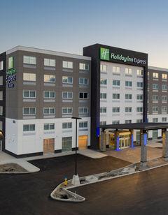Holiday Inn Express & Suites Brandon