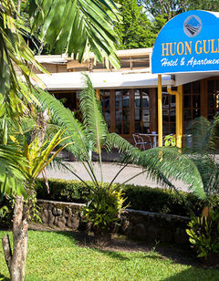 Huon Gulf Hotel & Apartments