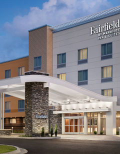 Fairfield Inn & Suites Airport