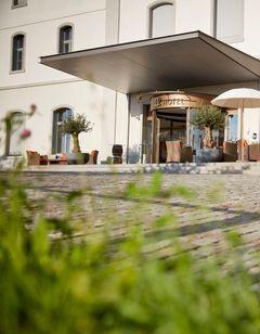 B2 Boutique Hotel & Spa