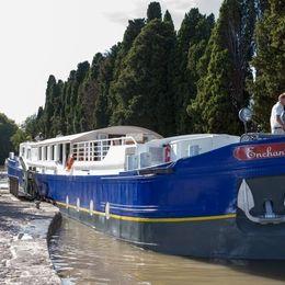Enchante Cruise Schedule + Sailings