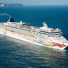 Norwegian Cruise Line Norwegian Gem Miami Cruises