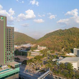 Holiday Inn & Suites Siracha Laemchabang