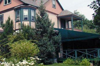 Apple Tree Inn