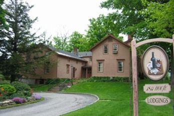 1811 House at the Equinox