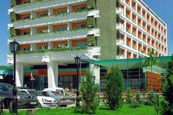 Carpati Hotel