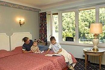 Aux Roches Fleuries Hotel