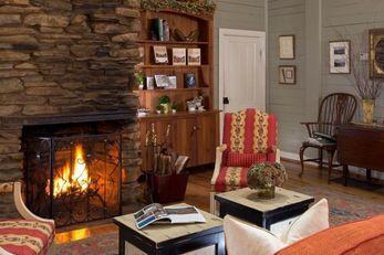 Glen-Ella Springs Inn & Meeting Place