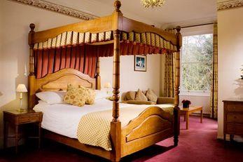 Ebury Hotel
