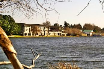 Lakes Hotel & Conference Centre