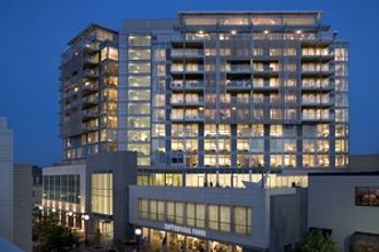 hotelVetro & Conference Center