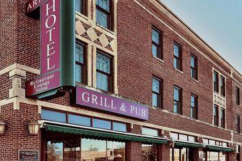 Arrow Hotel & Suites