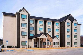 Quality Inn & Suites Robbinsville