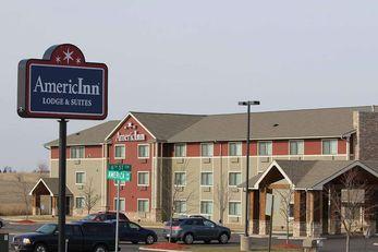 AmericInn by Wyndham Cedar Rapids