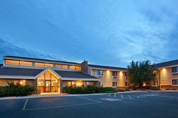 AmericInn Lodge and Suites Mitchell