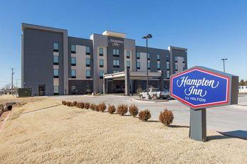 Hampton Inn Mustang
