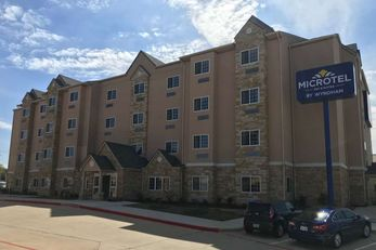 Microtel Inn & Suites College Station