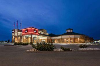 Royal Hotel Edmonton Airport Trademark