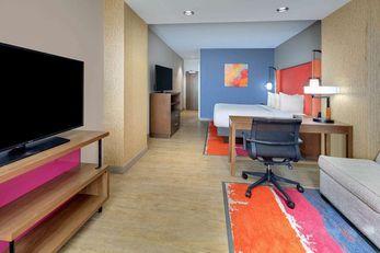 La Quinta Inn-Suites by Wyndham Lakeway