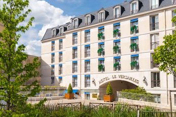 Le Versailles Hotel