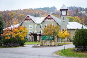 Calabogie Peaks Resort, Ascend Hotel