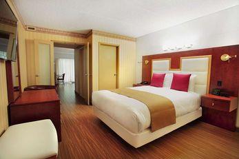 Les Suites de Laviolette, Ascend Hotel