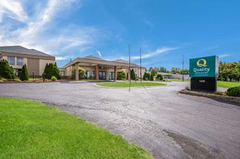 Quality Inn and Suites Fort Atkinson