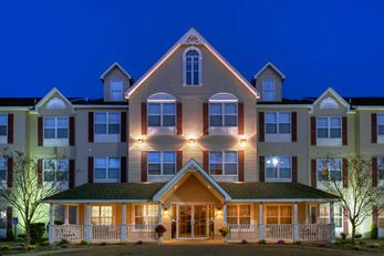Country Inn & Suites Forest Lake