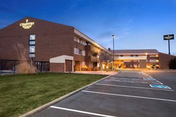 Country Inn & Suites Lincoln Airport