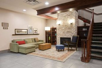 Comfort Inn & Suites St Paul Northeast