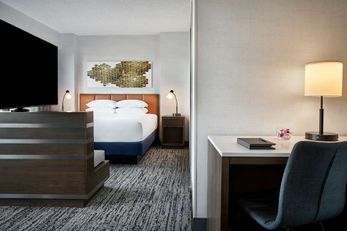 Hilton Fairfax