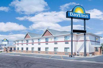 Days Inn Wall