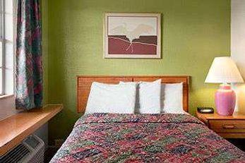 Days Inn by Wyndham West Memphis