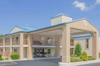 Days Inn & Suites Pine Bluff