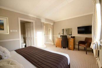 Hatton Court Hotel