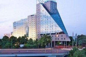 Estrel Hotel & Convention Center