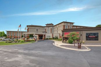 DoubleTree by Hilton Bloomington