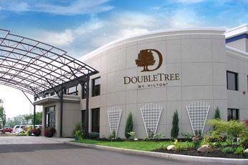 DoubleTree by Hilton Buffalo-Amherst