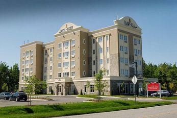 Imperia Hotel & Suites Terrebonne