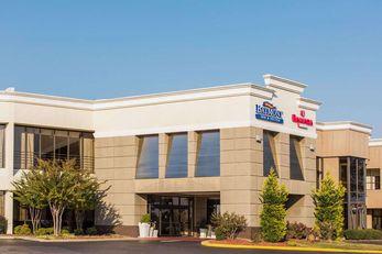 Baymont Inn & Suites Fort Bragg Area